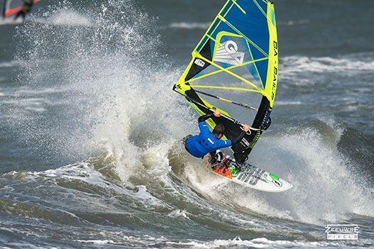 Rinaldo-Lokers-Zeeuwse-Pixels-windsurf-waves-domburg-5