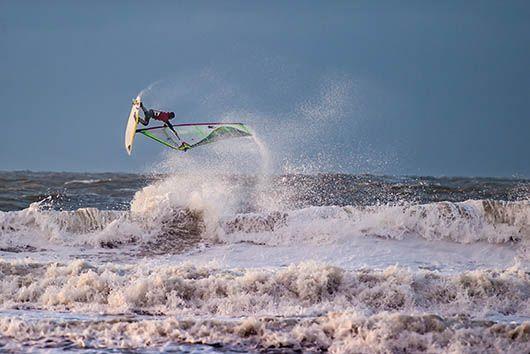 Rinaldo-Lokers-Zeeuwse-Pixels-windsurf-waves-domburg-6