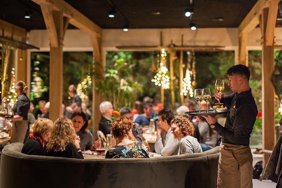 HET-HOOIHUIS-Zeeuwse-Pixels-bedrijfsfotografie-Sfeer-restaurant